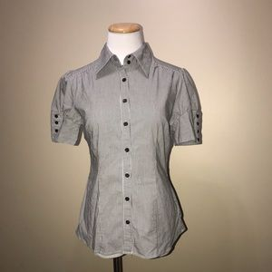 Like New Short Sleeve Women's Button-Up